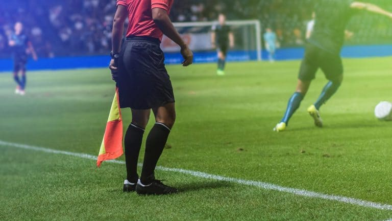 Lineman assistant referee