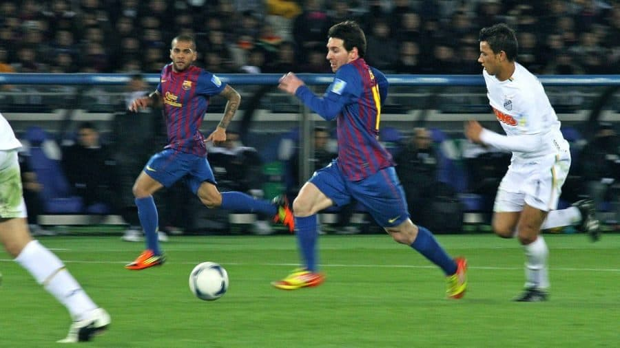 Lionel Messi showing what is soccer e1574523600747