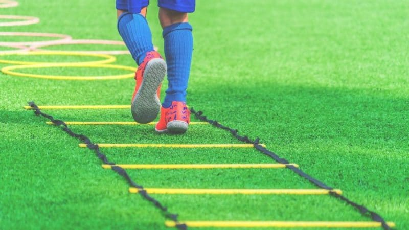 Soccer Workouts Without The Ball:  Complete Pro Player Guide