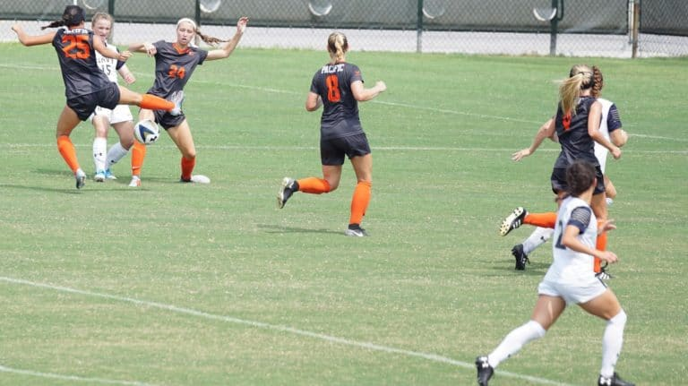 Female soccer players training - Are soccer camps worth it?